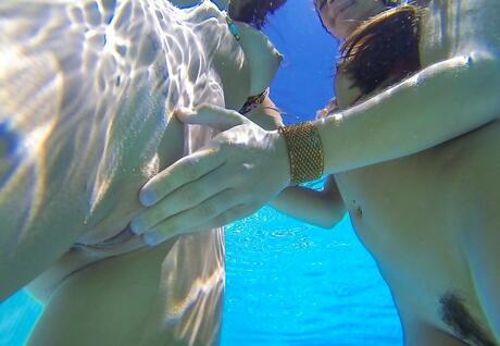 Underwater Porn Pics