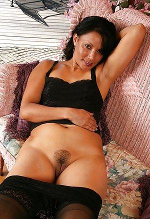 Mature Pussy Porn Pics