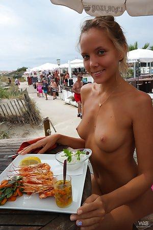 Public Pussy Porn Pics
