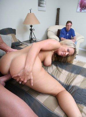 Cuckold Porn Pics